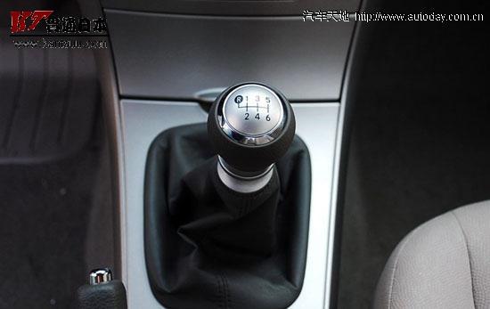 56eR5bm75bCP6K05bCB6Z2i_卡罗拉手动车型搭配6挡手动变速器