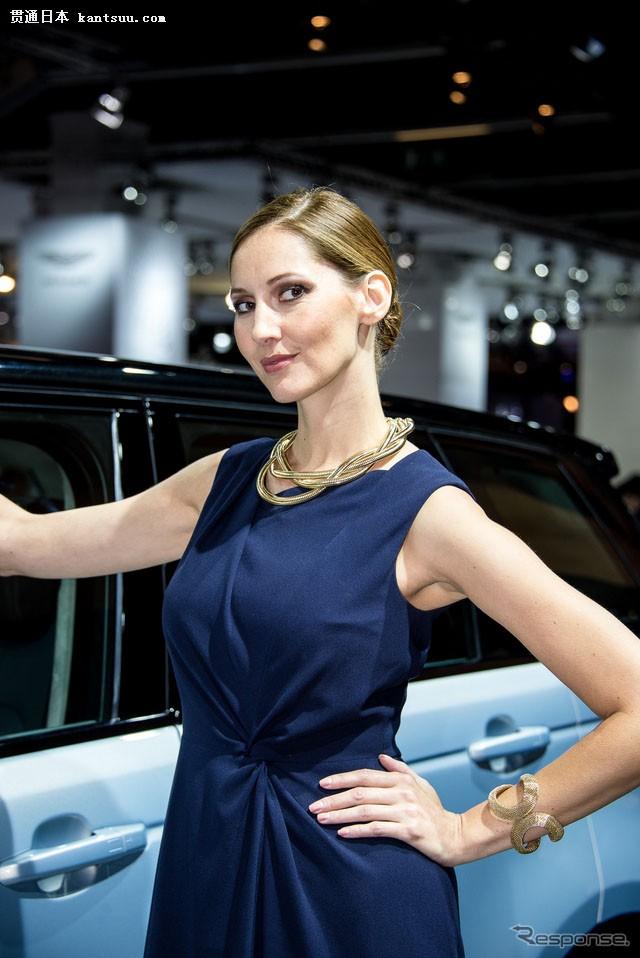 法兰克福车展上的美女车模大比拼