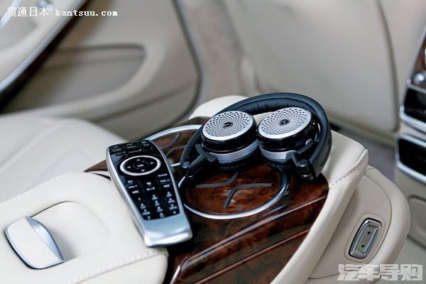 """飞机头等舱般的舒适惬意,3 165 mm 的轴距使得想要""""委屈""""在 s500l"""